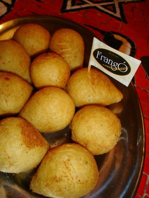 As famosas coxinhas do Frangó