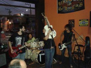 Le Passage + Allan Saffiotti mandando um rock