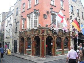 Dublin 9 - The Quay's bar