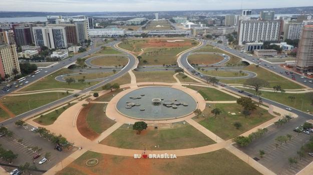 01 Eixo Monumental - Brasilia - DF - Brasil