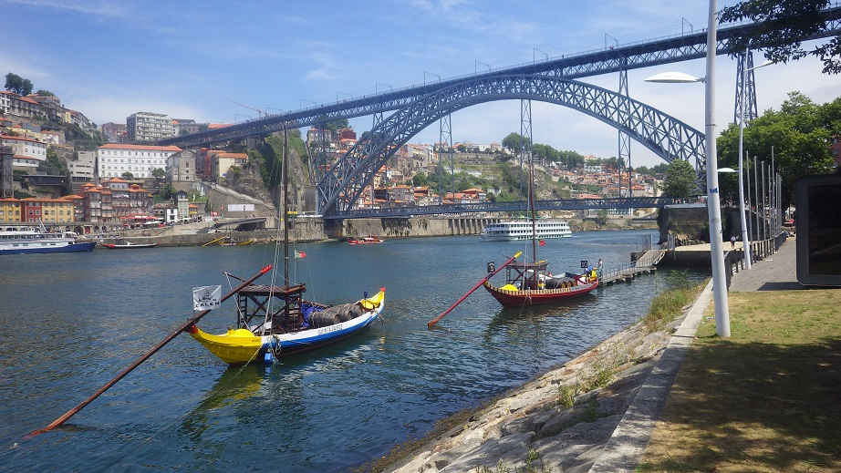 vila nova de gaia latino personals Great savings on hotels in vila nova de gaia, portugal online good availability and great rates read hotel reviews and choose the best hotel deal for your stay.