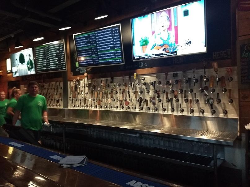 Raleigh Beer Garden: 366 taps!!!!